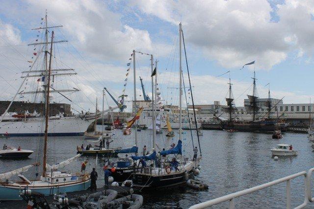 Les Tonnerres de Brest - Fêtes Maritimes Les Photos dans ** AGENDA Brest-2012-1407-Michel-STEPHAN-312